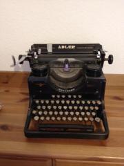 Schreibmaschine (Museumsstück von