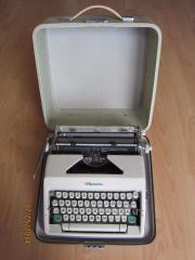 Schreibmaschine Olympia Monica