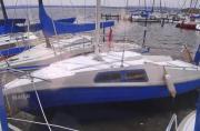 Segelboot mit Trailer