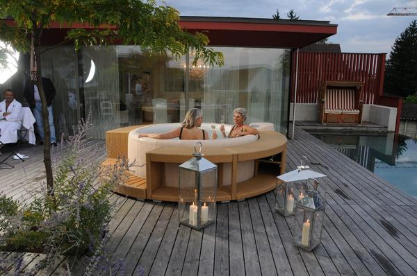 softub whirlpool aussen und innen verf hrung der sinne in germaringen sauna solarium und. Black Bedroom Furniture Sets. Home Design Ideas