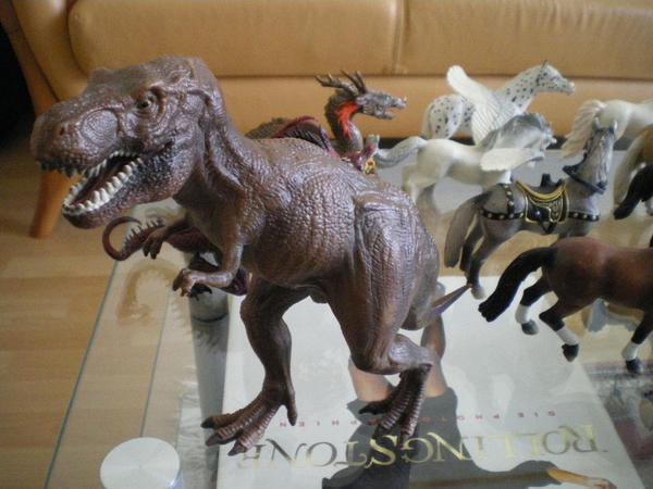 Spielzeug verschiedene Tierfiguren
