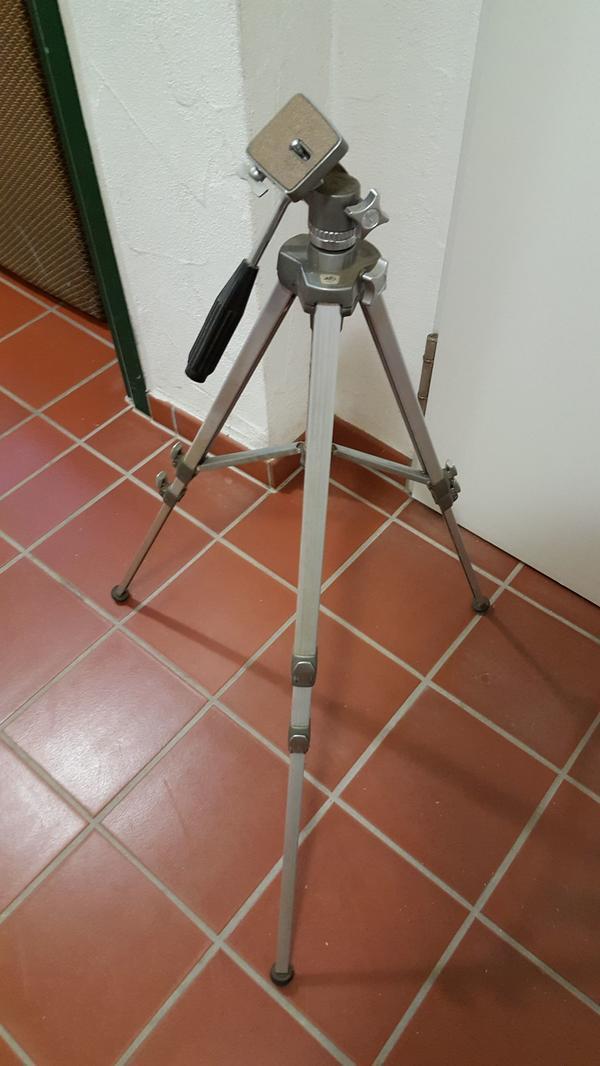 Stativ Alfo 4001 - Münster - Für Cameras jeder Art mit Gewinde oder Filmleuchten zu benutzen.Aus Haushaltsauflösung. Gut erhalten.Standort: 63853 Mömlingen - Münster