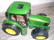 Traktor John Deere 6920 BRUDER