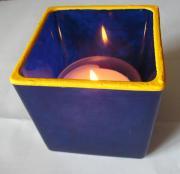 Viereckiges Dunkelblaues Teelichtglas mit Farbwechsel-Effekt
