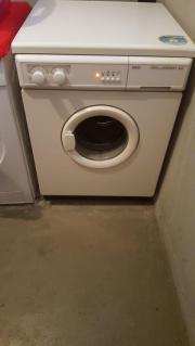 Voll funktionsfähige Waschmaschine