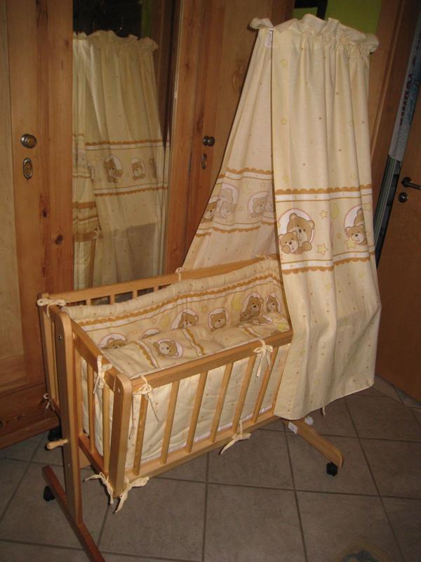 wiege komplett 90x40 matratze himmel bettw sche stubenwagen in waischenfeld wiegen babybetten. Black Bedroom Furniture Sets. Home Design Ideas
