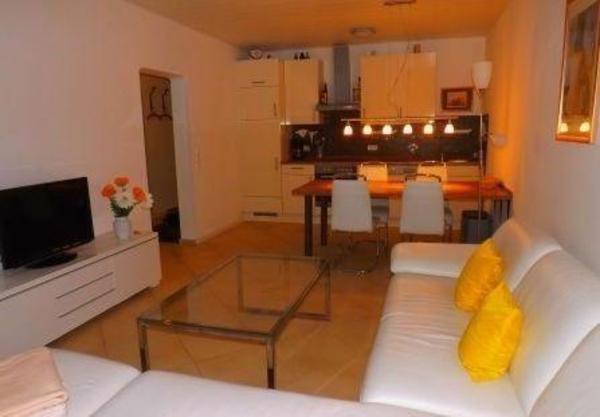 wohnung etagenwohnung mieten in berlin vermietung 2. Black Bedroom Furniture Sets. Home Design Ideas